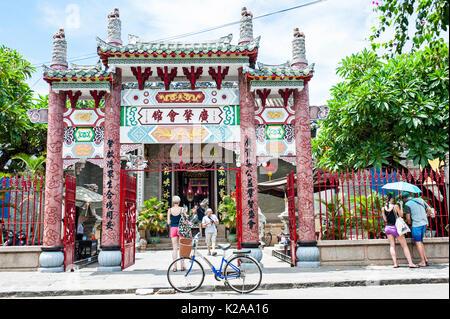 Il Cantonese Assembly Hall, Hoi Quan Quang Trieu, antica città di Hoi An, Vietnam Immagini Stock