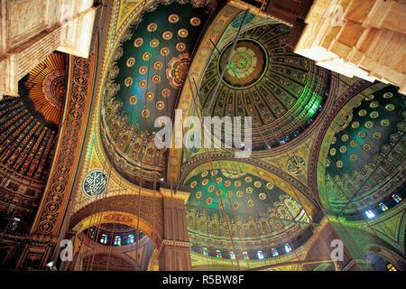 Interno della moschea di Mohammed Ali (1848), il Cairo, Egitto Immagini Stock