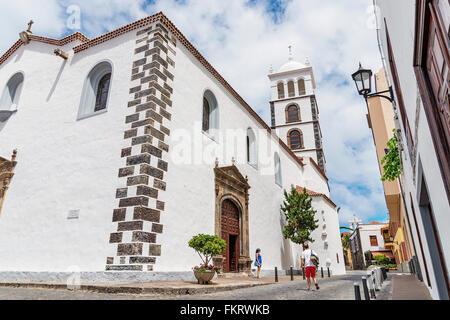 Garachico chiesa. Garachico è una piccola e pittoresca cittadina della costa nord dell'isola di Tenerife. Immagini Stock