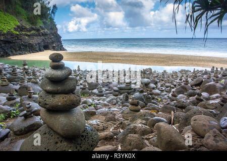 Hawaii, Kalalau Trail, Kauai, Napali, Costa Napali State Park, rock cairns Immagini Stock