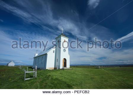 Una chiesa sulla isola di Flatey, la più grande isola delle isole occidentali, situato nel Breidafjordur sulla parte nordoccidentale dell'Islanda. Immagini Stock