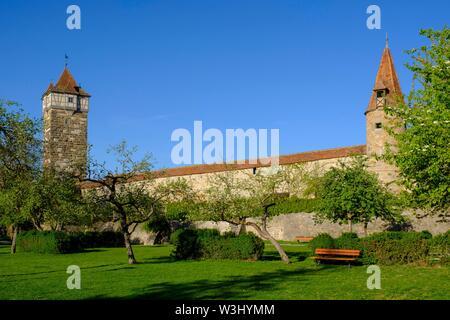 Rodertor alla parete della città, Rothenburg ob der Tauber, Media Franconia, Franconia, Baviera, Germania Immagini Stock