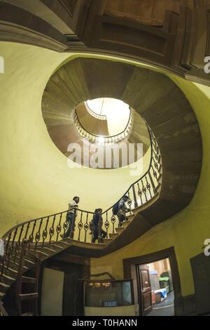 Scale a spirale all'interno di Victoria Memorial, Calcutta, West Bengal, India, Asia Immagini Stock