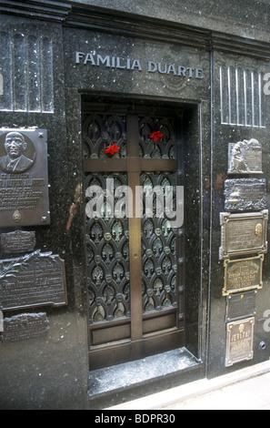 Duarte tomba di famiglia in La Recoleta Cemetery,Buenos Aires dove il famoso dittatori moglie Eva Peron è prevista Immagini Stock