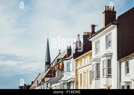 Architettura britannica, facciate, camini, Brighton, Inghilterra Immagini Stock