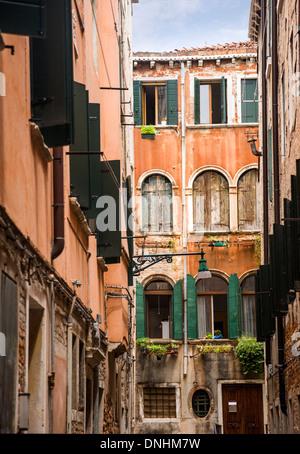 Gli edifici di vecchia costruzione, Venezia, Veneto, Italia Immagini Stock