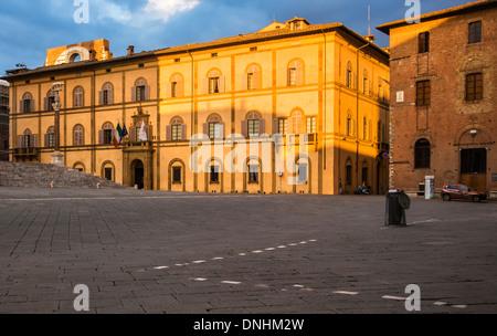 Facciata di un edificio storico, Siena, in provincia di Siena, Toscana, Italia Immagini Stock