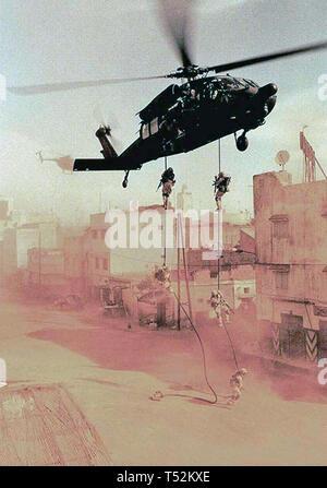 BLACK HAWK DOWN 2002 Jerry Bruckheimer Films Production Immagini Stock
