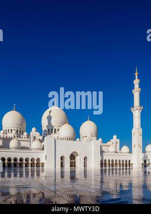 Sheikh Zayed bin Sultan Al Nahyan Grande Moschea di Abu Dhabi, Emirati Arabi Uniti, Medio Oriente Immagini Stock