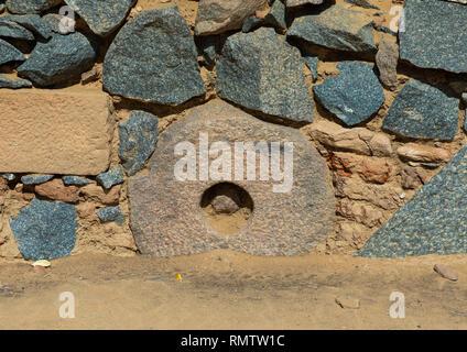 Macina in una parete di al Ghazali monastero cristiano, Stato settentrionale, Wadi Abu Dom, Sudan Immagini Stock