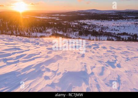 Paesaggio invernale di sunrise Immagini Stock