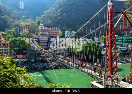 Lakshman Jhula, Ganga River, Rishikesh, Uttarakhand, India, Asia Immagini Stock