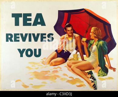 Il tè si ravviva. Inghilterra, metà del XX secolo Immagini Stock