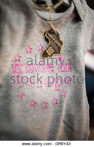 Close-up di un babygro in un negozio Immagini Stock