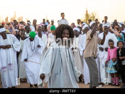 Venerdì celebrazione sufi al Sheikh Hamad el Nil tomba, Stato di Khartoum, Omdurman, Sudan Immagini Stock