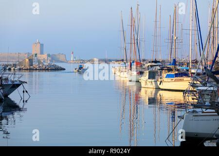 Francia, Bouches du Rhone, port de bouc, Sentiero costiero Immagini Stock