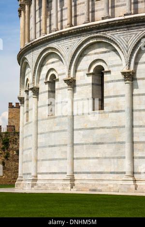 Battistero di San Giovanni, Piazza dei Miracoli a Pisa, Toscana, Italia Immagini Stock