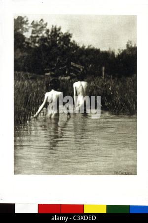 Due ragazzi di balneazione, foto di Peter Henry Emerson. Inghilterra, 1887 Immagini Stock
