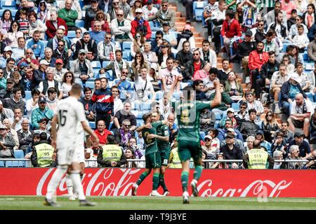 Madrid, Spagna. 19 Maggio, 2019. La Liga Calcio, Real Madrid contro il Real Betis; Loren Moron (Betis) celebra il suo obiettivo rendendo 0-1 in 61 minuti di credito: Azione Plus immagini di sport/Alamy Live News Immagini Stock
