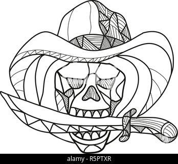 Mosaico di basso Stile del poligono illustrazione di un cowboy teschio pirata indossando un cappello di mordere un pugnale, coltello o spada visto dalla parte anteriore sulla isolato backg bianco Immagini Stock