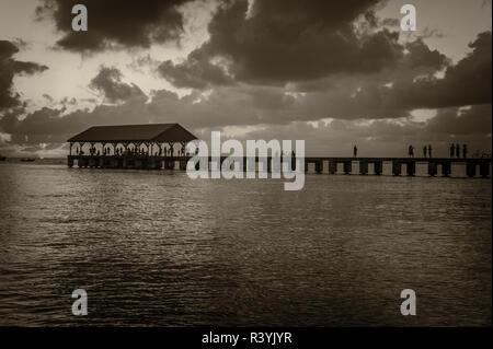 Hanalei Bay, Hanalei Pier, Hawaii, Kauai Immagini Stock