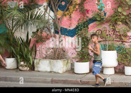 Colorate strade di Getsemani, Cartagena, Colombia, Sud America Immagini Stock