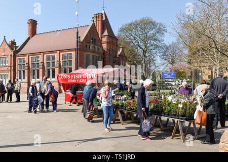 Hucknall Mercato e Chiesa nel Nottinghamshire,UK. Immagini Stock