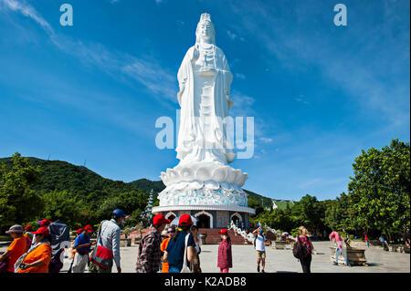 Signora Buddha, Linh Ung Pagoda, Lady Tempio del Buddha, Da Nang, Vietnam. Signora Buddha, il più alto statua del Buddha in Vietnam, sorge a 67 metri (220 F Immagini Stock