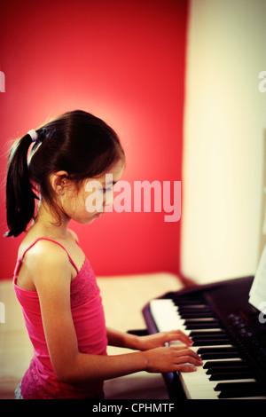 Pratica di pianoforte Immagini Stock