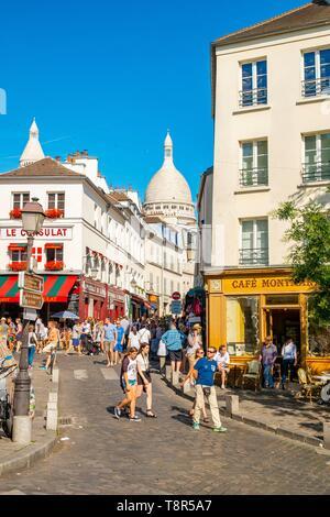 Francia, Parigi, la Butte Montmartre, il cafe Consulat le Sacre Coeur Immagini Stock
