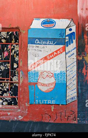 Chibuku è un popolare e a buon mercato la bevanda alcolica in Sud Africa. È fermentato da mais. Immagini Stock
