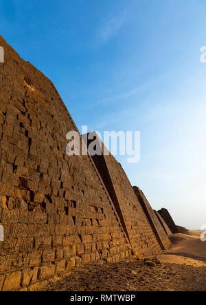 Piramidi di kushite governanti a Meroe, Stato settentrionale, Meroe, Sudan Immagini Stock