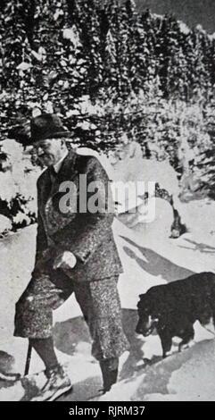 Blondi (1941 - 1945) fu Adolf Hitler pastore tedesco, un dono come un cucciolo, da Martin Bormann nel 1941. Blondi alloggiato con Hitler anche dopo il suo passaggio nel Fuhrerbunker situato sotto il giardino della Cancelleria del Reich il 16 gennaio 1945. Secondo Albert Speer, Hitler uccise Blondi perché temeva che i russi avrebbe la cattura e la tortura di lei dopo il sorpasso di bunker. Immagini Stock