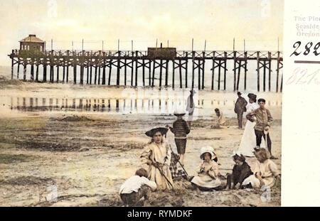 Piers in Oregon, Spiagge di Oregon, Mare, Oregon, 1906 Ore., il molo', Stati Uniti d'America Immagini Stock