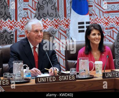 Noi Segretario Tillerson e ambasciatore delle Nazioni Unite Nikki Haley soddisfare con Est alleati asiatici, 28 Immagini Stock